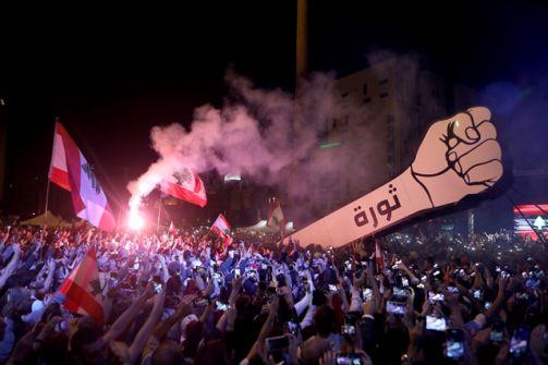 محطات الوقود في لبنان تبدأ إضرابا مفتوحا اليوم الخميس وسط أسوأ أزمة اقتصادية يمر بها لبنان خلال عقود