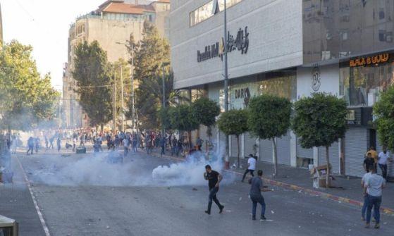 تقرير إسرائيلي: السلطة الفلسطينية طلبت التزود بمعدات فض تظاهرات