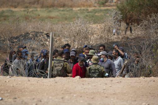 قناة 13: الشاباك بدأ بتتبع طريق الأسرى ومخاوف من جولة قتالية مع غزة حال استشهادهم  الثلاثاء