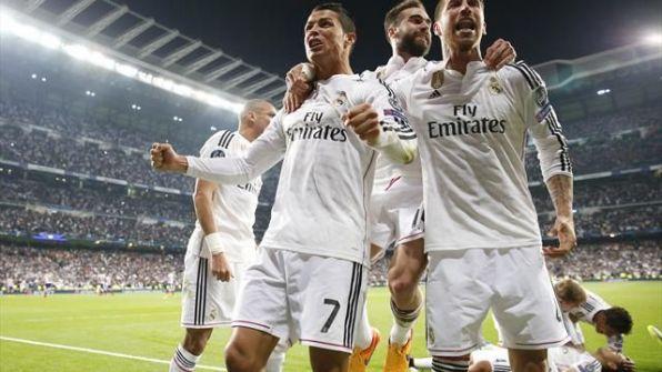 فيديو .. استقبال أسطوري لحافلة ريال مدريد قبل مواجهة أتلتيكو