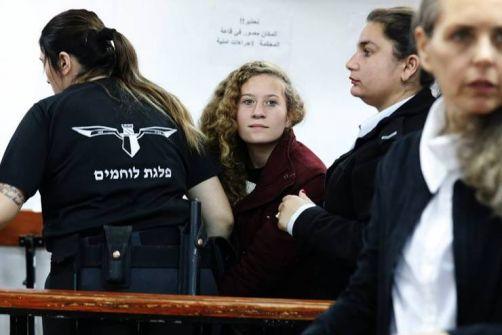 لماذا رفض والد عهد التميمي توكيل محامٍ للدفاع عن ابنته؟