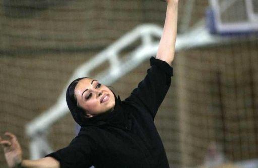 الرقص ممنوع في إيران بيوم المرأة