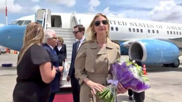 إيفانكا وزوجها يصلان 'تل أبيب' لافتتاح السفارة