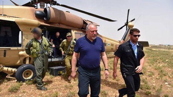 ليبرمان للأسد: جنودك في المنطقة الفاصلة يخاطرون بحياتهم