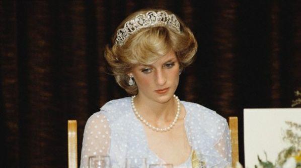 خطابات ديانا الغرامية قد تكشف الأب الحقيقي للأمير هاري و العائلة الملكية تستعد لـ'فضيحة'