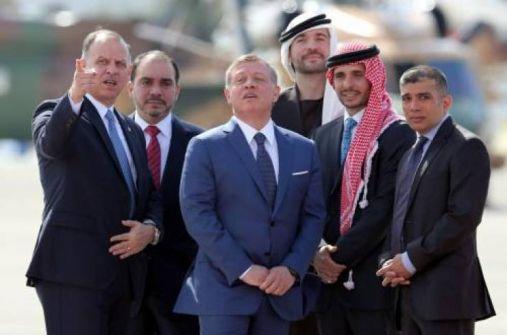 أحال شقيقيه وابن عمه للتقاعد.. الأردن يرد على ما أُثير عن 'إقصاء' الملك لأمراء في الجيش ينتمون لعائلته