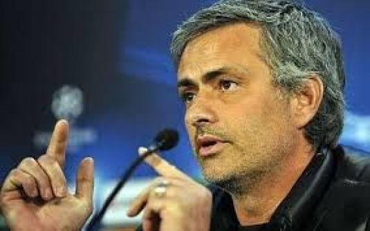 مورينيو يتهم الفيفا بتزوير نتائج أفضل مدرب في العالم 2012!