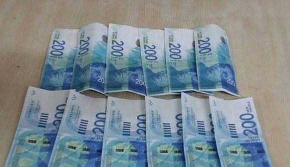 عصابة نسائية لترويج النقود المزورة بنابلس