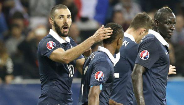 ثورة فرنسية على تصريحات بنزيمة!