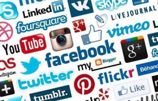 دراسة: مستخدمو مواقع التواصل يزيفون حياتهم ليثيروا غيرة الآخرين