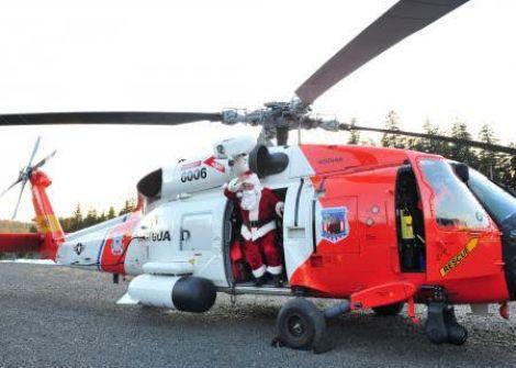 البرازيل .. بابا نويل سرق طائرة هليكوبتر والشرطة تطارده