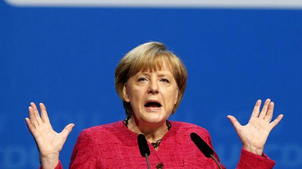 ميركل: أتفهم لماذا يتوجه الرئيس عباس لمجلس الأمن الدولي
