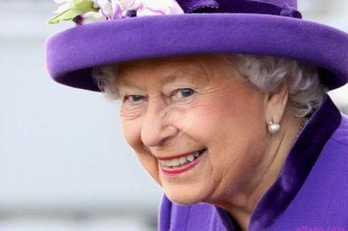 شاهدوا الملكة إليزابيث تستخدم مواقع التواصل الاجتماعي لأول مرة وماذا نشرت؟-بالفيديو
