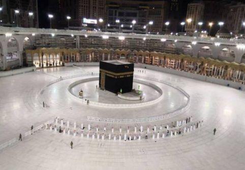صلاة العيد في الحرمين بالسعودية دون مصلين: العيد الأحد بـ17 دولة عربية والسبت بدولتين