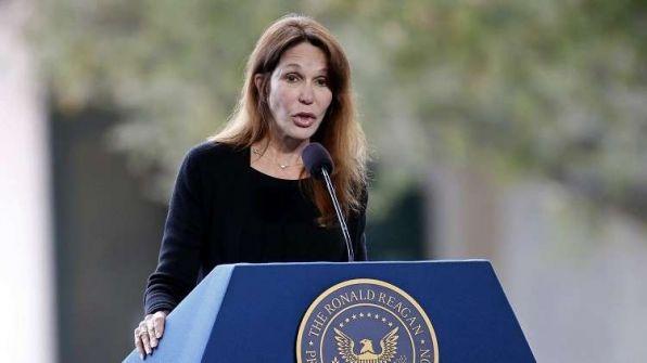 """إبنة رئيس أمريكي راحل تفجر مفاجأة وتكشف عن تعرضها للاغتصاب قبل 40 عاما.. ما علاقة """"ترامب""""؟"""