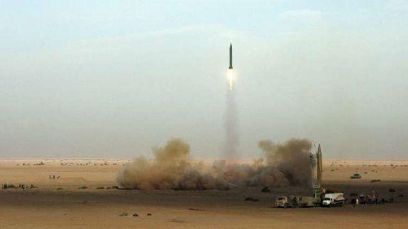 وسائل إعلام أمريكية: إيران اختبرت صاروخا باليستيا وصل مداه إلى ألف كم