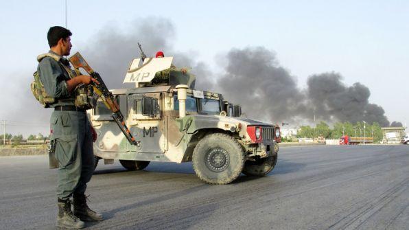 مقتل 34 شخصا بانفجار لغم في حافلة بأفغانستان