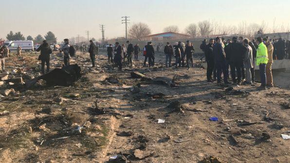 التلفزيون الإيراني: حريق في محرك الطائرة الأوكرانية أدى إلى سقوطها بعد 5 دقائق من إقلاعها