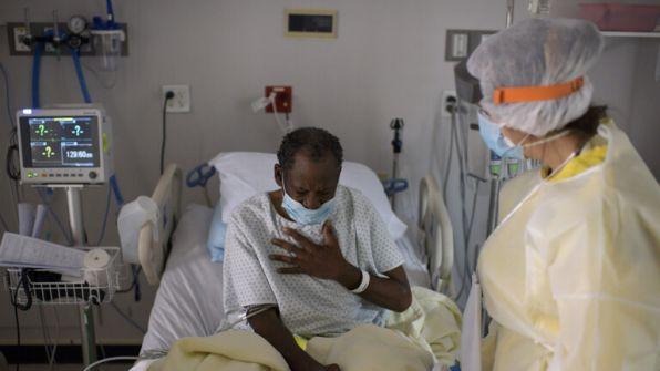 رويترز: أمريكا تسجل أكثر من 55 ألف إصابة بكورونا لليوم الثالث على التوالي