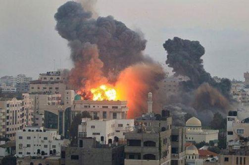 مدفعية الاحتلال تستهدف منازل المواطنين شرق خان يونس