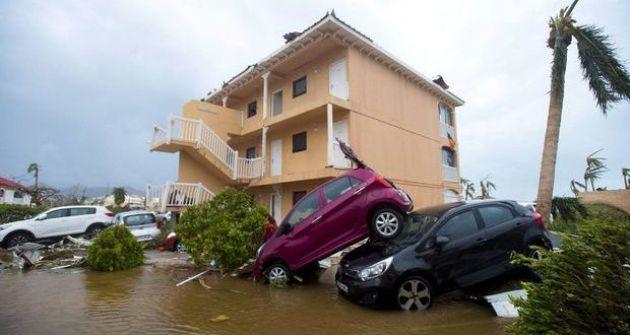 لا مثيل له منذ 100 عام :إيرما أقوى عواصف الأطلسي في طريقه لضرب فلوريدا الأميركية