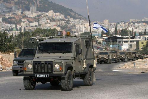 الجيش الإسرائيلي يدفع بتعزيزات عسكرية للضفة