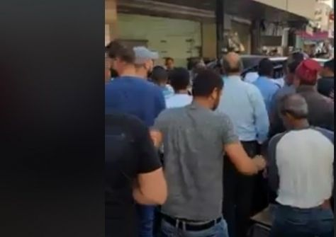12 إصابة إحداها خطيرة جراء حادث سير في نابلس