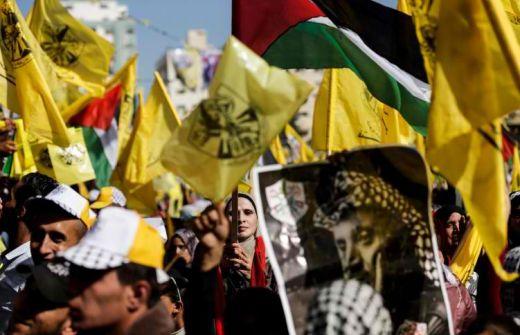 استقالات وغضب في اوساط فتح بغزة بسبب 'التمييز بين موظفي الضفة والقطاع'