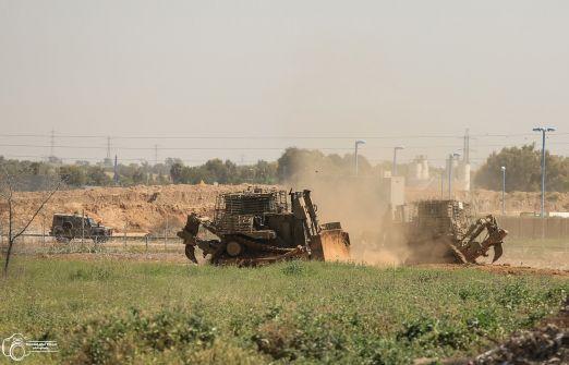 الاحتلال يتوغل شرق خان يونس ويجرف أراضي زراعية وقصف صاروخي إسرائيلي جنوب قطاع غزة دون إصابات