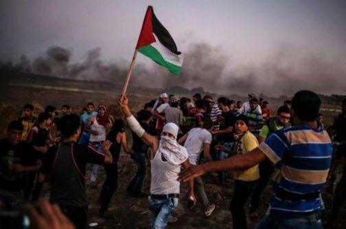 غزة: استعدادات للمشاركة في جمعة 'يوم الاسير الفلسطيني' بمخيمات العودة