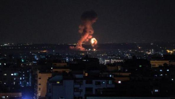 الاحتلال يقصف موقعاً شمال قطاع غزة