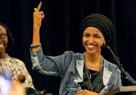 إلهان عمر عضوة الكونغرس الأمريكي تعتذر عن تصريح بشأن إسرائيل