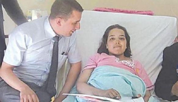 جزائريون ينعون فتاة اجتازت البكالوريا على متن سيارة إسعاف