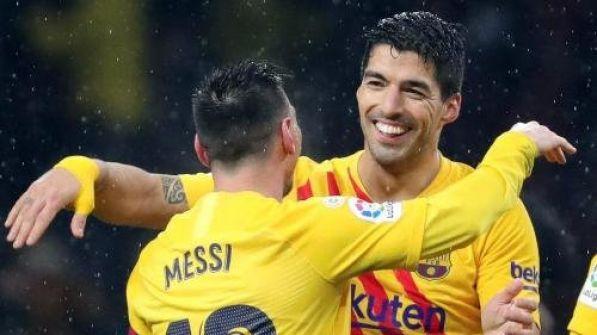 ميسي يواصل هجومه على ادارة برشلونة: سواريز طُرد من النادي
