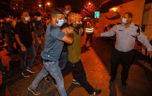 آلاف الإسرائيليين يتظاهرون للمطالبة برحيل نتنياهو
