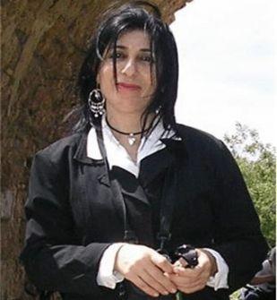 'أدموزكِ وتتعشترينَ' أغنيّة على وتر يكتمل عشقا ...فراس حج محمد