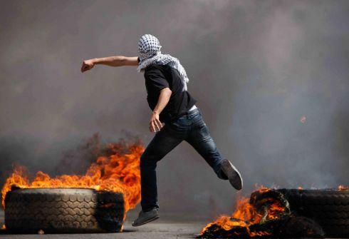 اسرائيل اعتقلت 300 ألف فلسطيني منذ الانتفاضة الأولى!