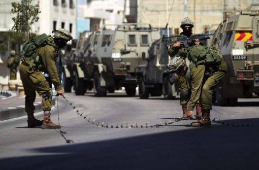 الاحتلال يفرض الاغلاق الشامل على الضفة الغربية  وغزة
