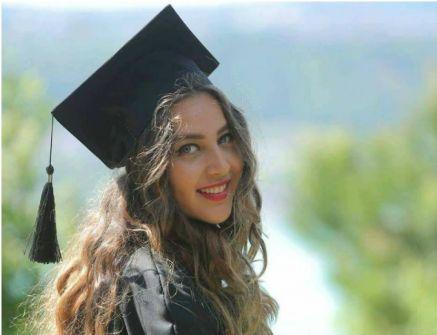 قصة الصحفية السورية التي قُتلت في جريمة بشعة رفقة أمها في منزلهما بتركيا