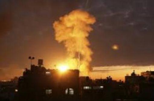 إصابتان في قصف إسرائيلي على غزة فجراً