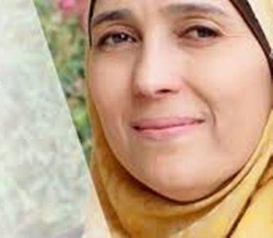 الفلسطينية 'حنان الحروب' ضمن أفضل ٥٠ معلما في العالم