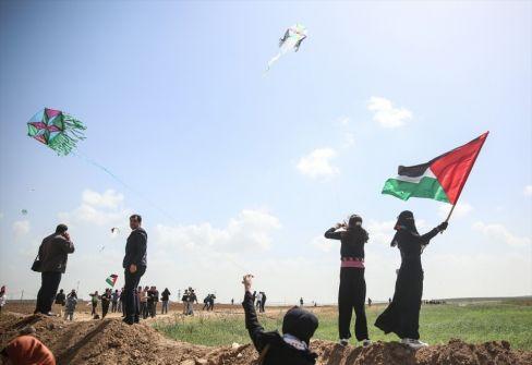 منظومة إسرائيلية جديدة لاعتراض الطائرات الورقية الغزية