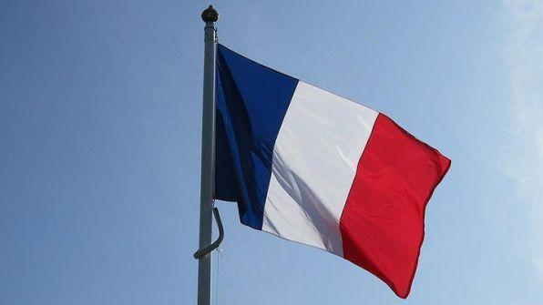 بلدية فرنسية 'تحظر' الموت خلال الأعياد !!
