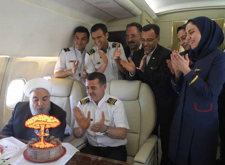 'إسرائيل بالعربية' تنشر صورة لـ'احتفال روحاني بعيد ميلاده'.. وهذا تعليقها