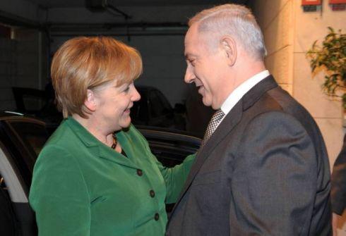 ميركل تدعو إلى مكافحة معاداة اليهود