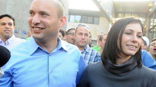 بينيت ضد نتنياهو: 'اعتَذِر من زوجتي'