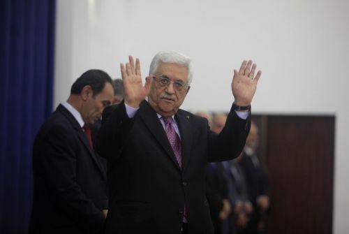 """عباس"""" أبلغ قيادات فلسطينية بأن السعودية تقود مهمة """"توريط الفلسطينيين"""" وهجومه على دولة عربية قصد به الإمارات"""