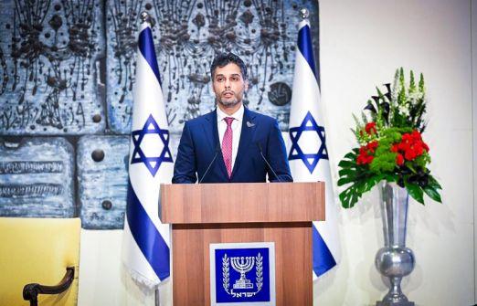 أول سفير للإمارات في تل أبيب يقدم أوراق اعتماده إلى رئيس إسرائيل