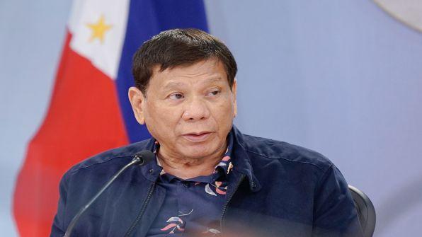 الرئيس الفلبيني يرشح نفسه لمنصب نائب الرئيس