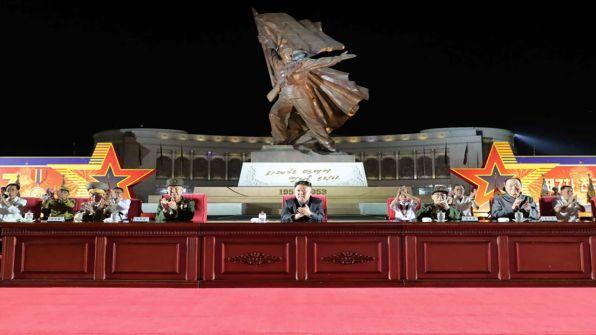 زعيم كوريا الشمالية: كورونا لا يقلّ صعوبة عن الحرب